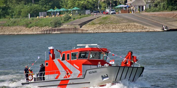 """Prototyp: Hilfeleistungslöschboot """"Hecht"""" in Gernsheim getauft"""
