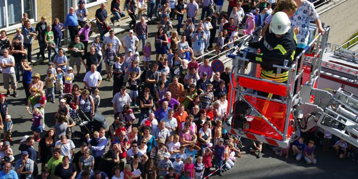 Ein Blick hinter die Kulissen: Tag der offenen Tür der Feuerwehr Wiesbaden