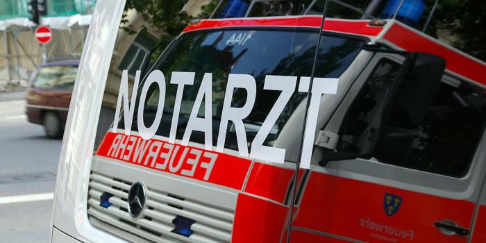 Zusammenstoß: Fünf Auto- und Radfahrer verletzt – Ampel umgestürzt