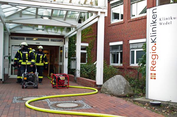 Großeinsatz bei Kellerbrand in Krankenhaus