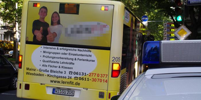 In der Tür eingeklemmt – Bus schleift zehnjähriges Mädchen mit