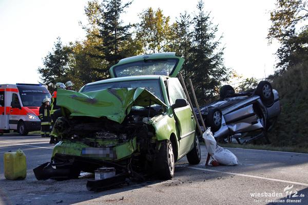 Frontalzusammenstoß bei Ramschied: Zwei teils schwer Verletzte – Kleinkind unverletzt