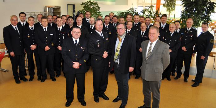 Führungsspitzen der Freiwilligen Feuerwehren zu Gast bei InfraServ Wiesbaden