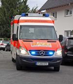 Zwei Fußgänger angefahren und teils schwer verletzt