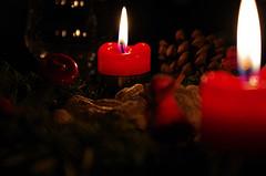 Kerzen lösen Wohnungsbrand aus – Bewohner verletzt