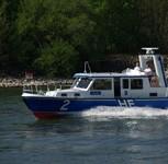 Frachtschiffe kollidieren bei dichtem Nebel auf dem Rhein