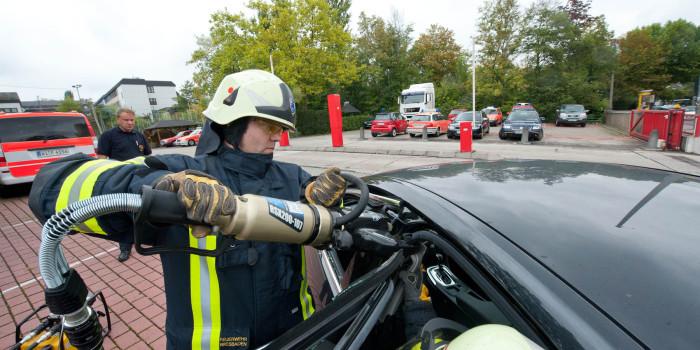Passive Sicherheit moderner Autos – Eine Herausforderung für Retter und Werkzeug