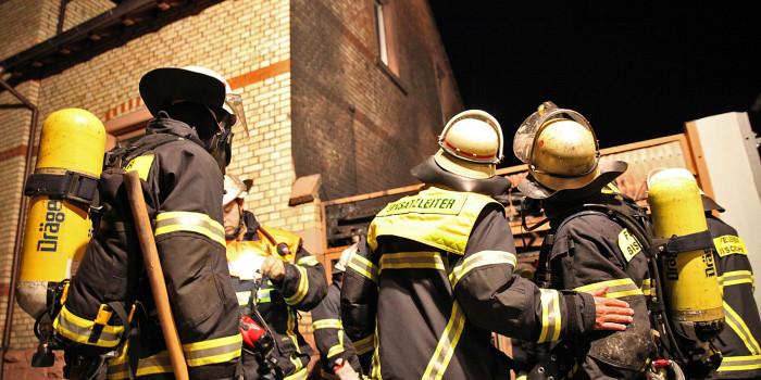 Wohnungsbrand geht glimpflich aus – Rauchmelder rettet Ehepaar das Leben