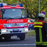 Trockene Gartenabfälle entfachen Feuer in Mainz-Kastel