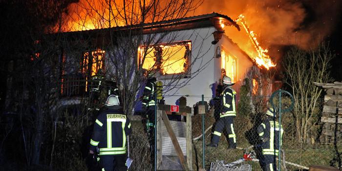 Wohnhaus in Auringen in der Nacht bis auf die Mauern niedergebrannt