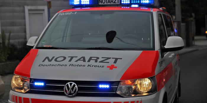 Schwerverletzter unter Traktor eingeklemmt