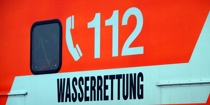 Wasserrettungseinsatz: Frau im Rhein