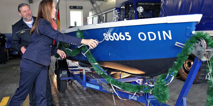 """""""Odin"""" feierlich getauft – Neues Mehrzweckboot für die THW-Fachgruppe Wassergefahren"""