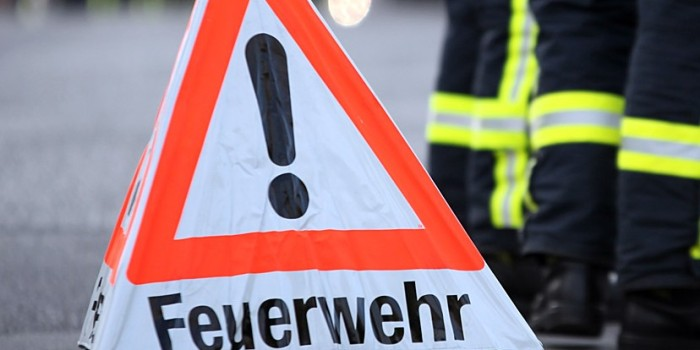 Vollsperrung der L3005 in Schwalbach nach Unfallflucht