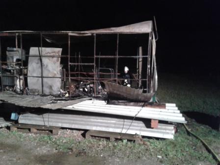 Landwirt bei Bauwagenbrand in Bad Schwalbach leicht verletzt