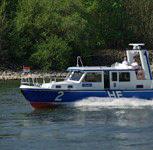 Sportboot verursacht erneuten Ölteppich im Schiersteiner Hafen
