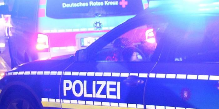 Schwerer Verkehrsunfall in Frankfurt – Kind aus Fahrzeug geschleudert