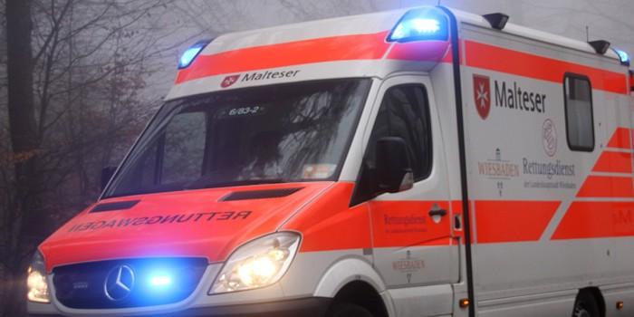 Vier Schwerverletzte bei Unfall auf der B54 in Wiesbaden