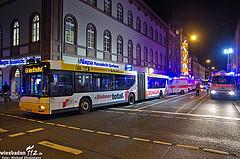 Acht Verletzte nach Vollbremsung eines Linienbusses – Verursacher flüchtig