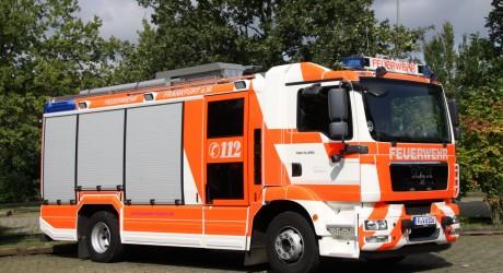 Gasexplosion und Straßenbahnunfall beschäftigen Frankfurter Feuerwehr
