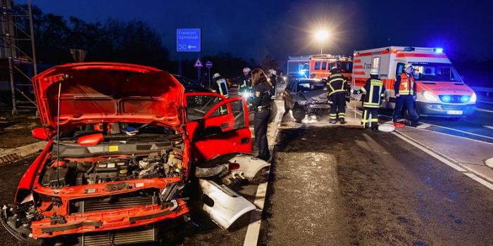 Zusammenstoß auf Kreuzung – Zwei Schwerverletzte in Rüsselsheim