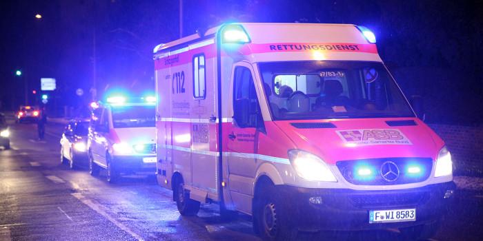 Auto mehrfach überschlagen – Fahrerin schwer verletzt