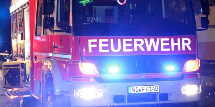 Brandserie in Kostheim hält Feuerwehr in Atem – Appell an die Bevölkerung