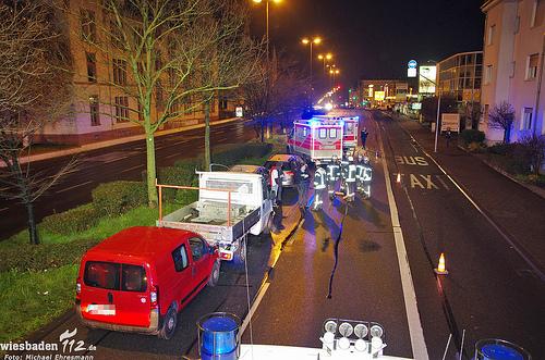 Bremsmanöver zu spät bemerkt: Drei Verletzte bei Auffahrunfall