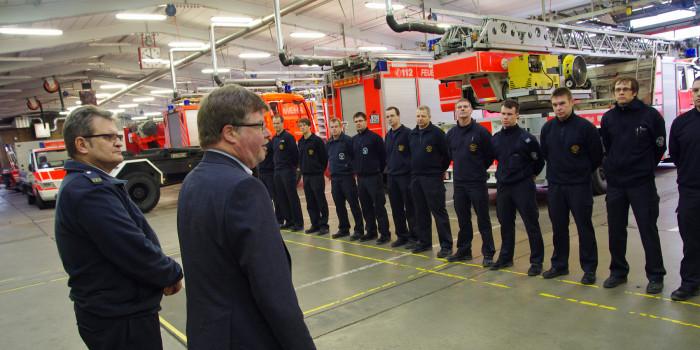 Bürgermeister Goßmann besucht und dankt Einsatzkräften an Weihnachten