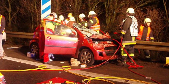 Schonende Patientenrettung nach Unfall auf der A671