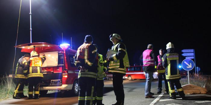 Kräfte sammeln für den Einsatz: Feuerwehr und Rettungsdienst üben den Ablauf im Katastrophenfall