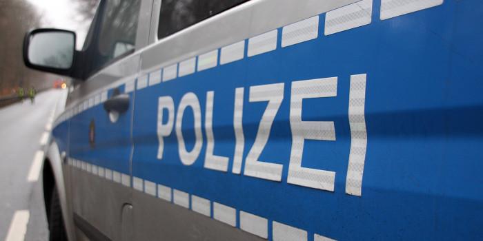 Mülltonnen gehen in Biebrich und Klarenthal in Flammen auf – Polizei sucht Zeugen