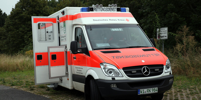 Verkehrsunfall mit Rettungswagen – Unfallzeugen gesucht