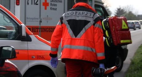 Motorradfahrer nach Zusammenprall mit Radfahrer schwer verletzt