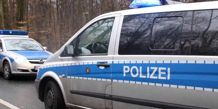 Wiesbadener Pkw verursacht Unfall mit drei Verletzten und flüchtet
