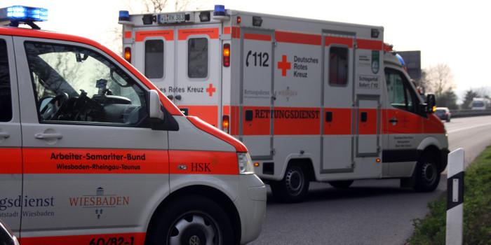 Fünf Personen bei Unfall auf der B42 verletzt