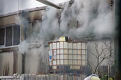Lagerhallenbrand in Schiersteiner Industriebetrieb endet glimpflich – Dreistündige Löscharbeiten