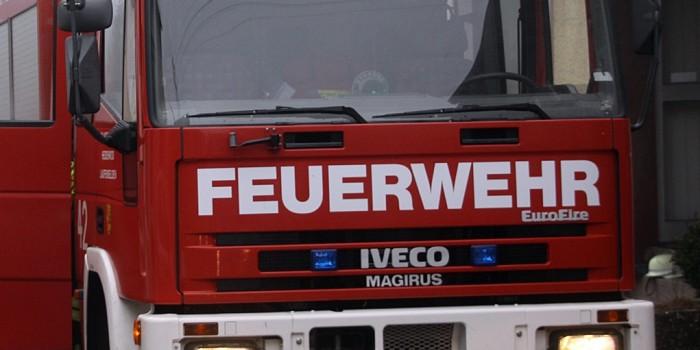 Feuerwehrmann wegen Straßensperrung beleidigt und verletzt