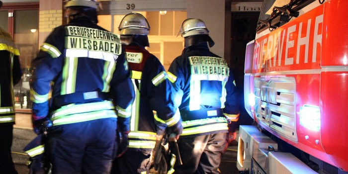 Hoher Sachschaden bei Garagenbrand im Rheingauviertel