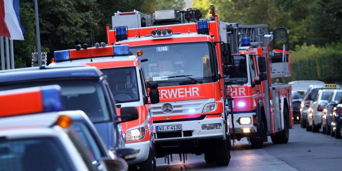 Feuer vor Wohnungstür durch Rauchmelder bemerkt