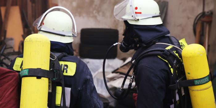 Feuerwehren Görsroth/Kesselbach und Oberlibbach üben gemeinsam in Schreinerei