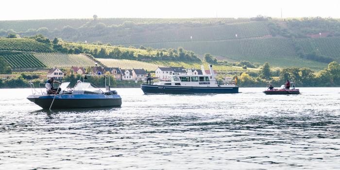Großaufgebot sucht nach vermisster Person im Rhein bei Trebur-Geinsheim