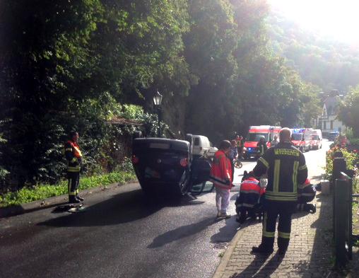Drei Schwerverletzte nach PKW Überschlag in Eppstein