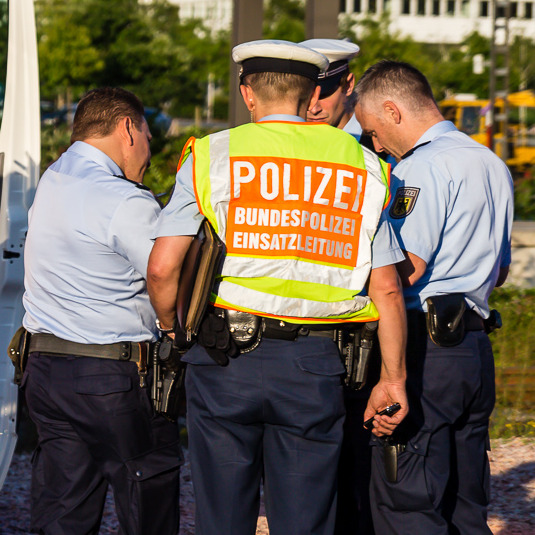 Mann von S-Bahn tödlich verletzt