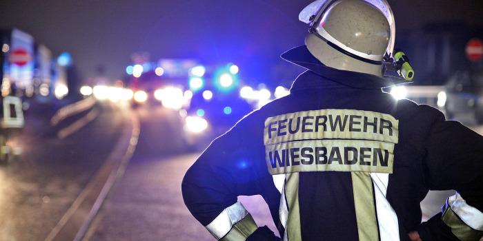 Relativ ruhiger Jahreswechsel für Feuerwehr und Rettungsdienst in Wiesbaden