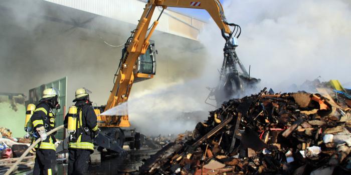 Feuer in Recyclingzentrum – Sechstündiger Großeinsatz in Mainz