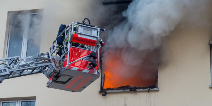 Wohnung in Kastel brennt komplett aus – Zwei Bewohner verletzt