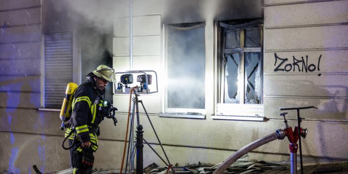 Zwei Schwerverletzte bei Wohnungsbrand in der Innenstadt