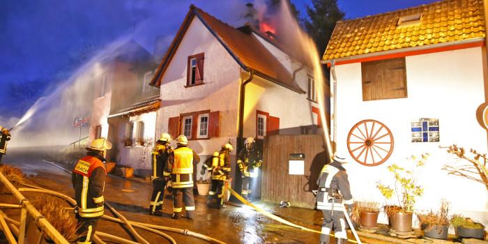 Dachstuhlbrand in Taunussteiner Fachwerkhaus