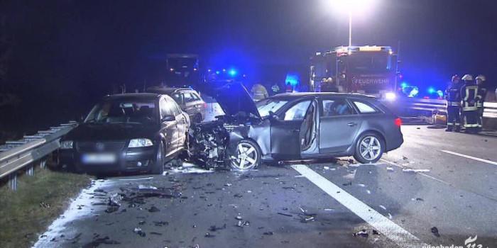 Mann bei Unfall auf Gegenfahrbahn geschleudert und mehrfach überrollt